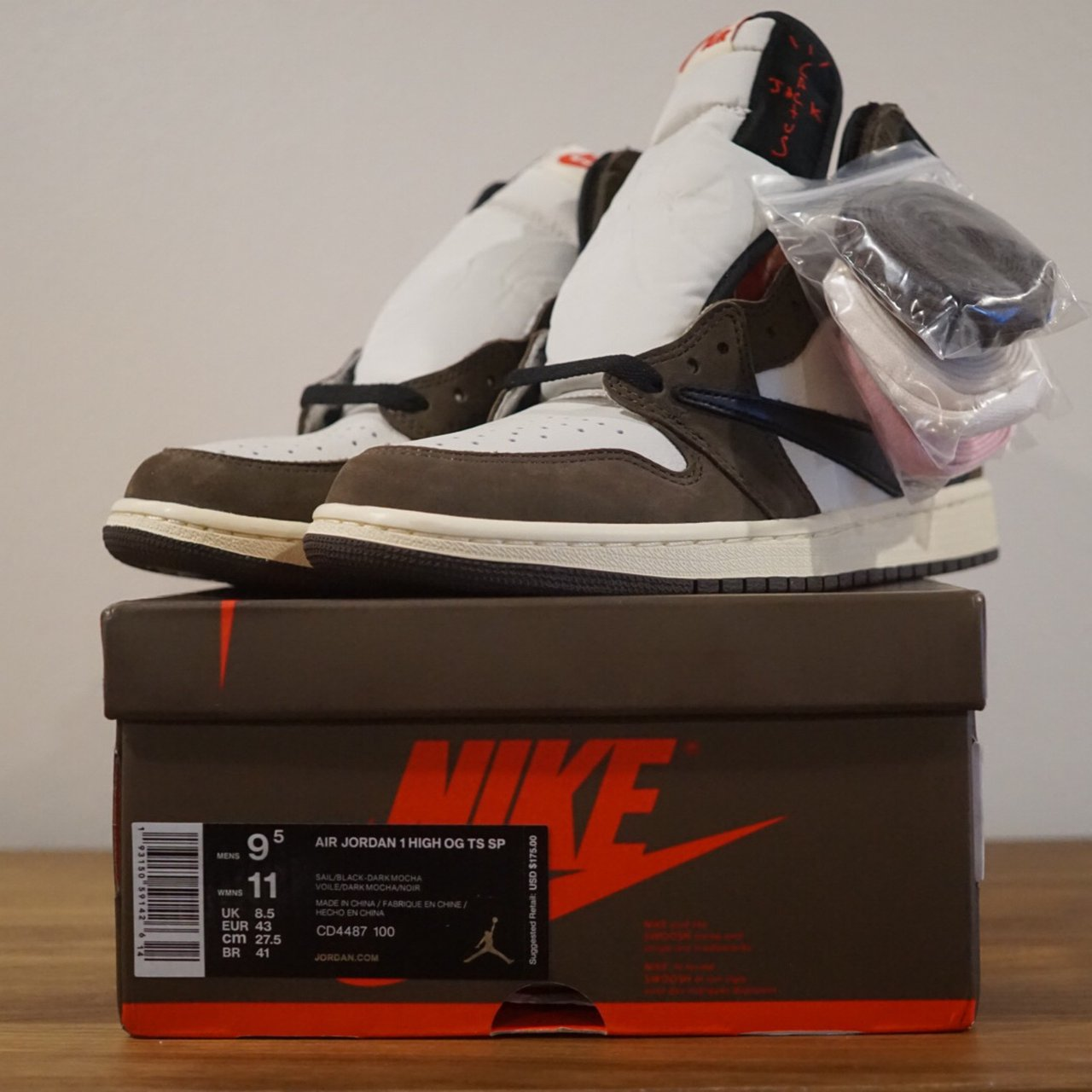 071a2d710f6 Jordan 1 Retro High Travis Scott Deadstock size 9.5 Brand - Depop