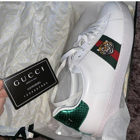 cebbf470c Gucci Ace tiger embroidered sneaker Size 37 EU (size 4/5 a - Depop