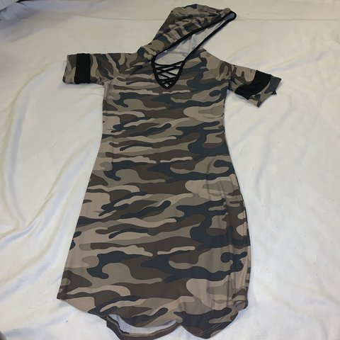6988fefb340a9 fitted, hooded, camo dress. never worn - Depop