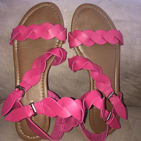 b5b4bcdb8d pink strapping sandals (barely worn) 💕🌸✨ #pink #sandals - Depop