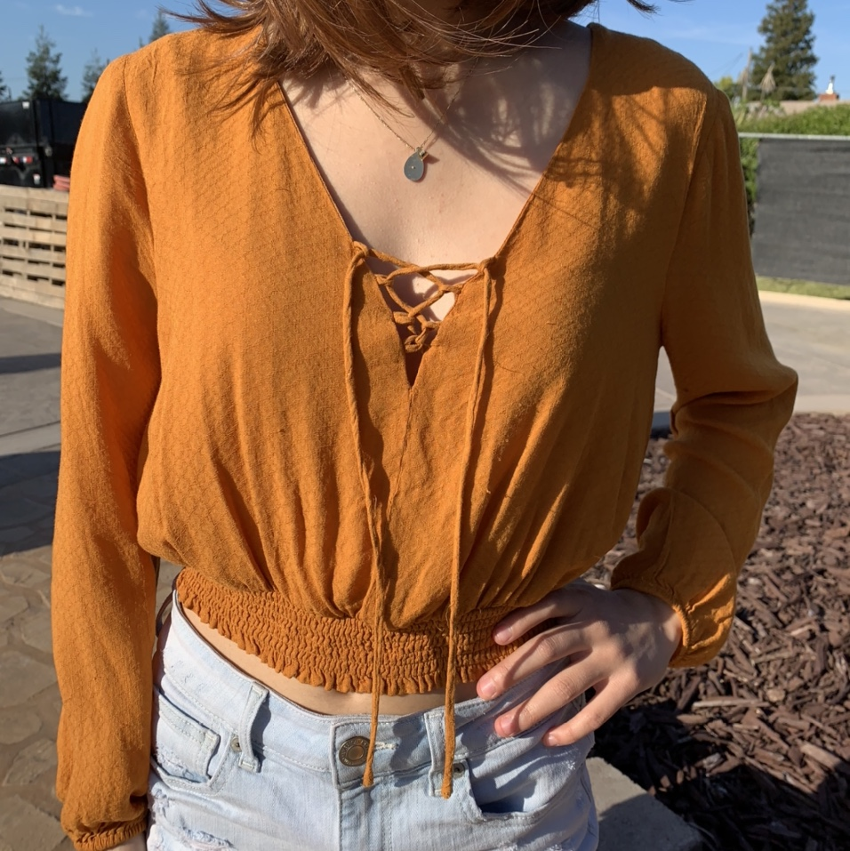 Product Image 1 - super cute crop top scrunched