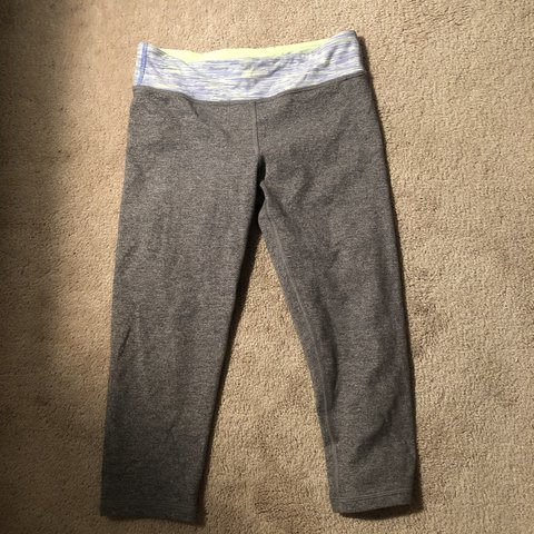 a82c103826fb23 @anna_troutman. 20 days ago. Cheswick, United States. Grey cropped Ivivva  leggings/size 12 girls/worn ...