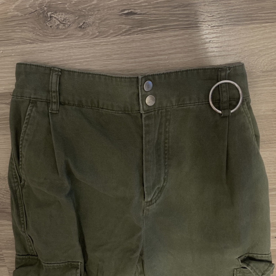 Product Image 1 - green cargo pants 🤍 if