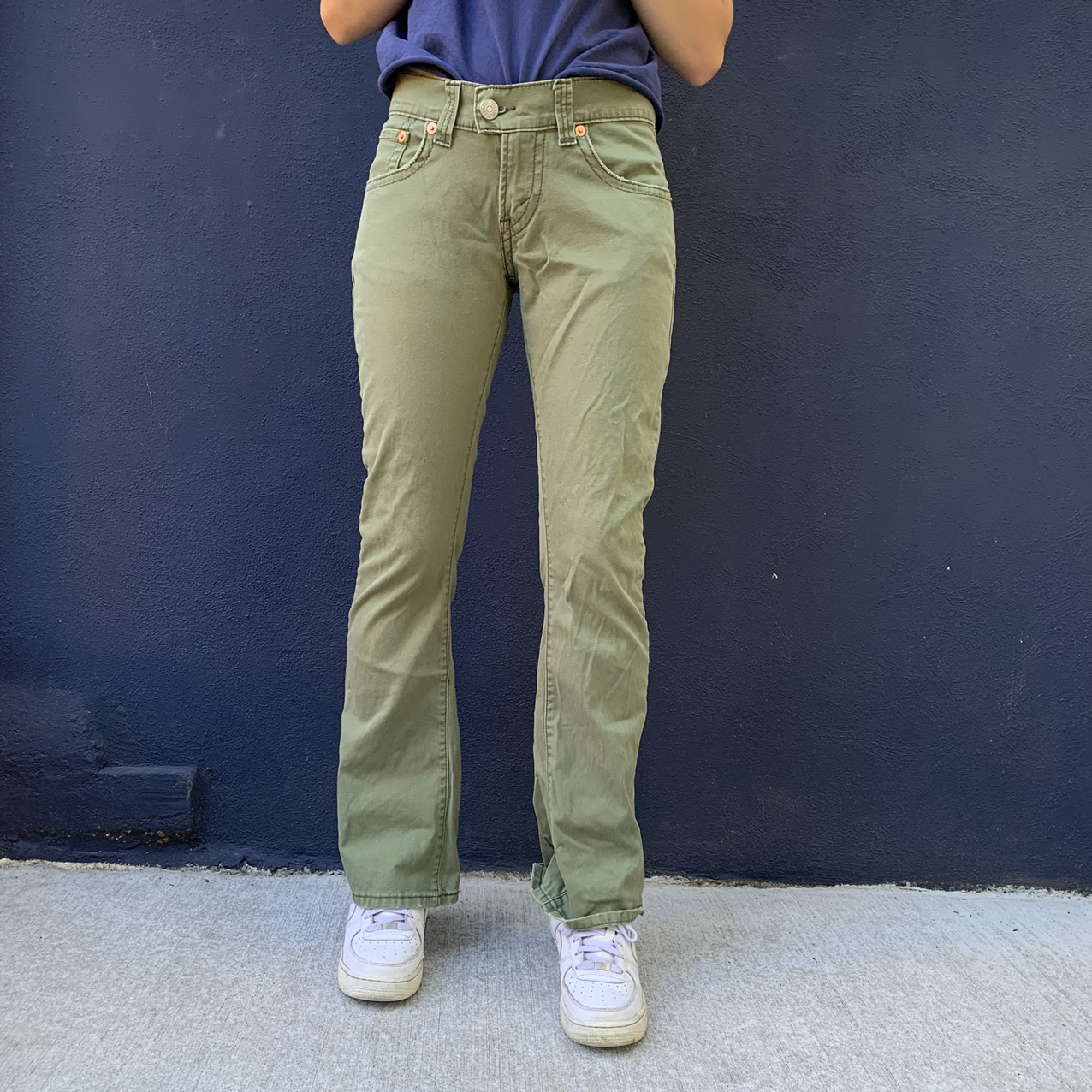 Product Image 1 - Super nice green Levi's low