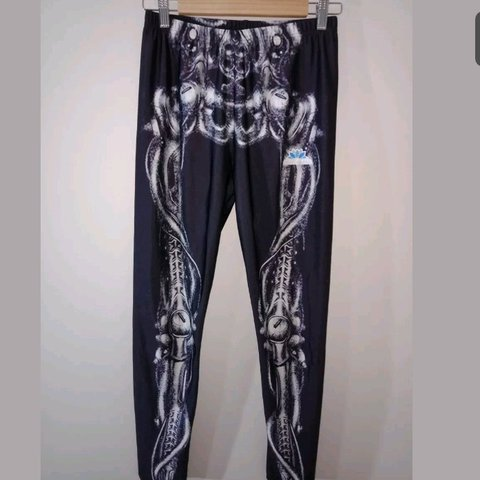 21770a3400409f 2 pairs of XL lotus leggings - one pair is out of this world - Depop