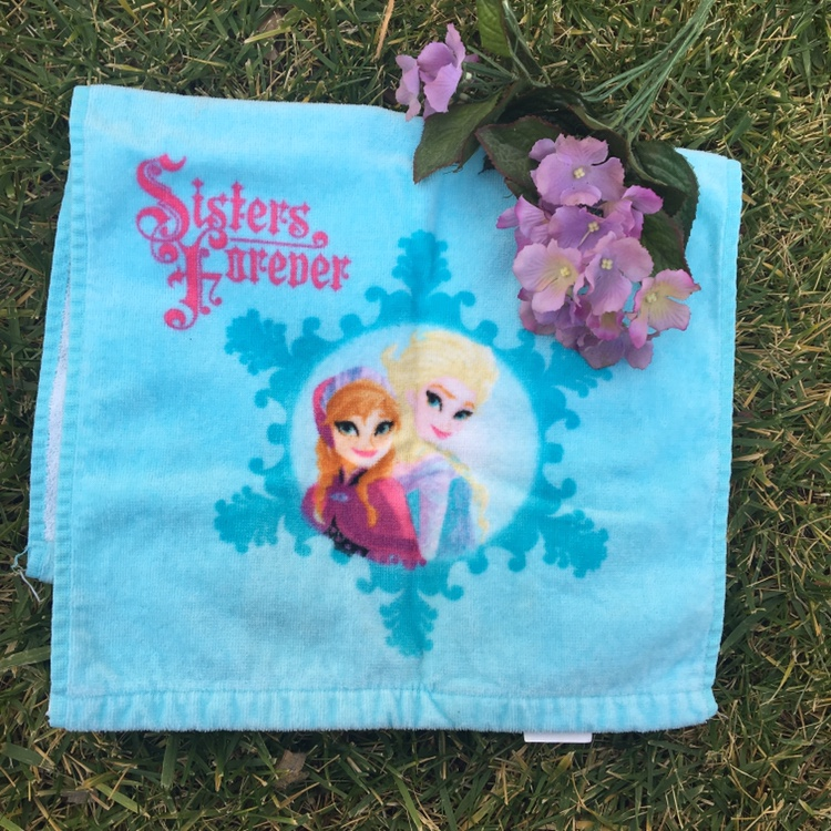 Product Image 1 - Frozen elsa and anna cute