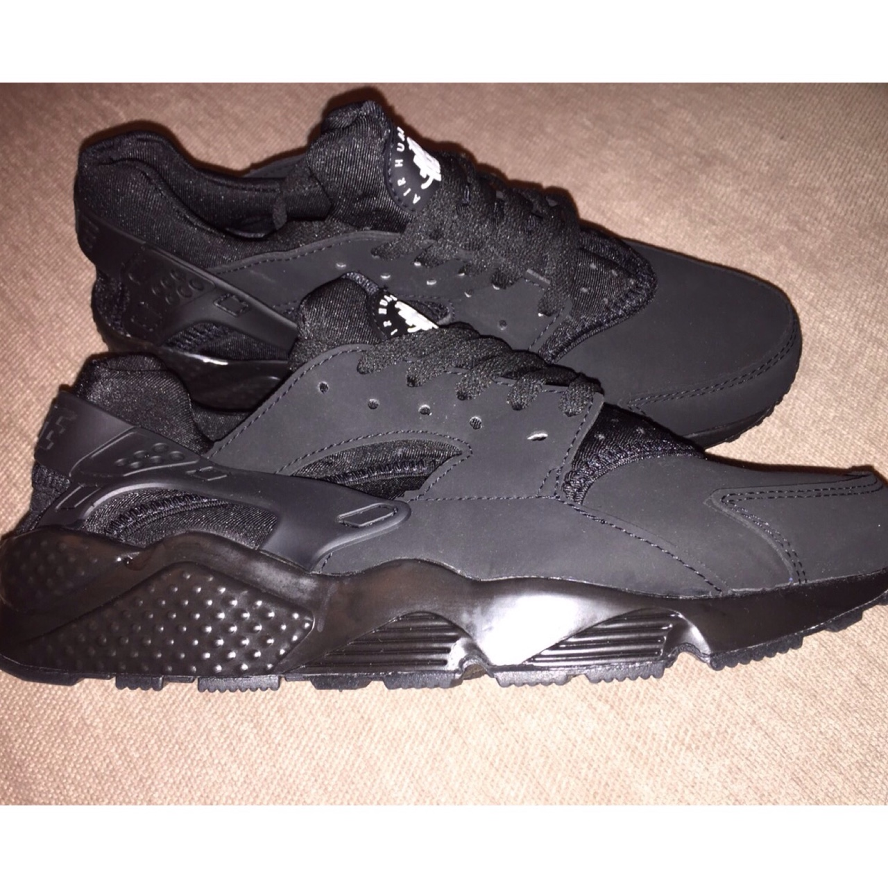 Nike Air Huarache Triple Black Fake