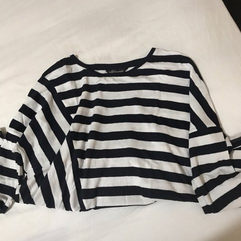 c7d752849 Black and white stripes crop long sleeves - great condition - Depop