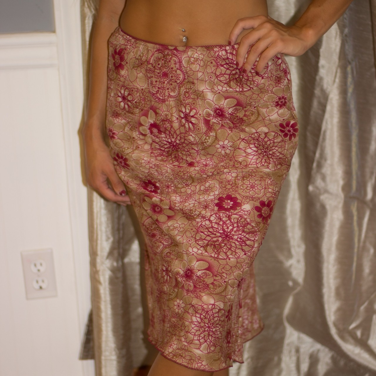 Product Image 1 - 90s Floral Patterned Skirt. This is