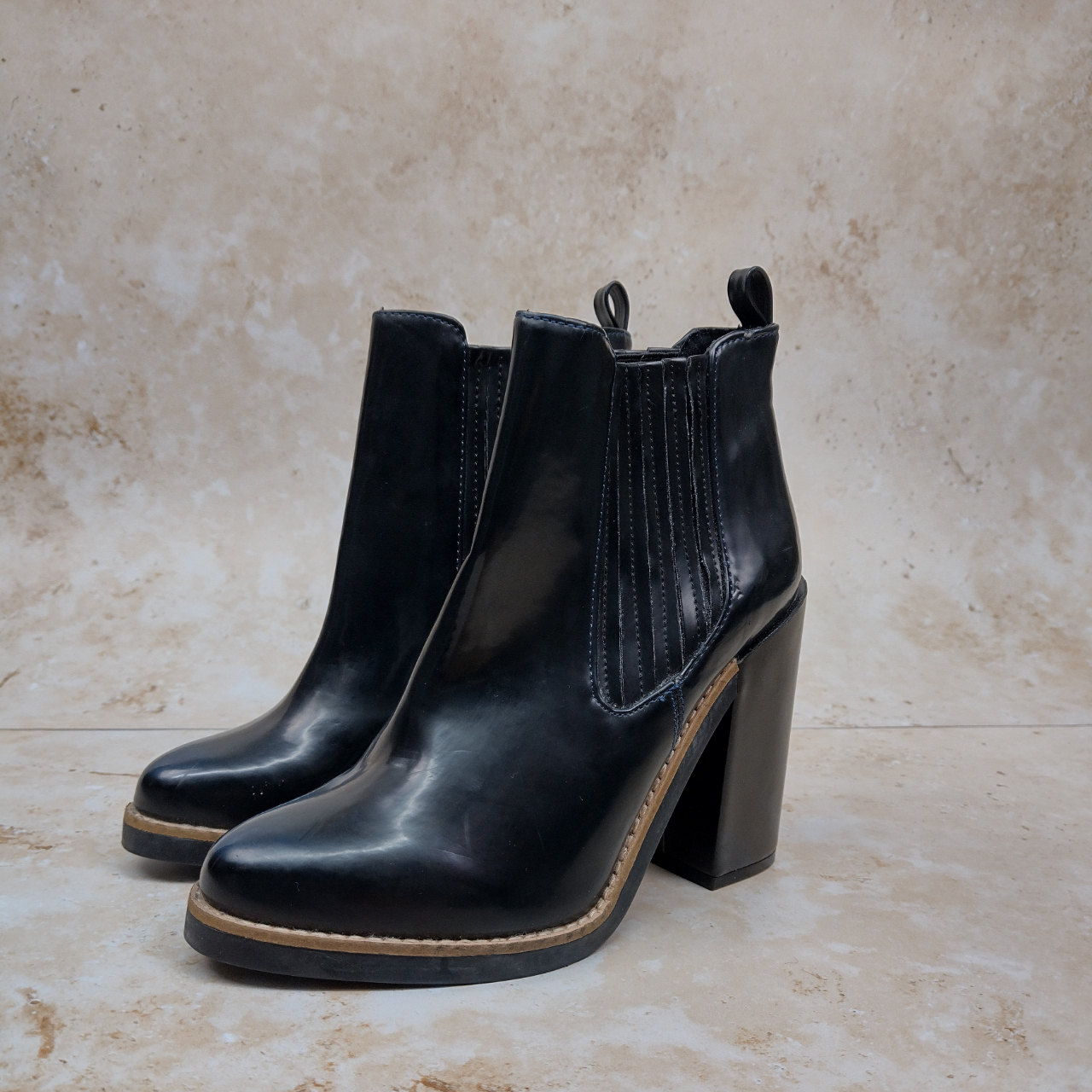 Product Image 1 - Pull & Bear Ankle boots  ~