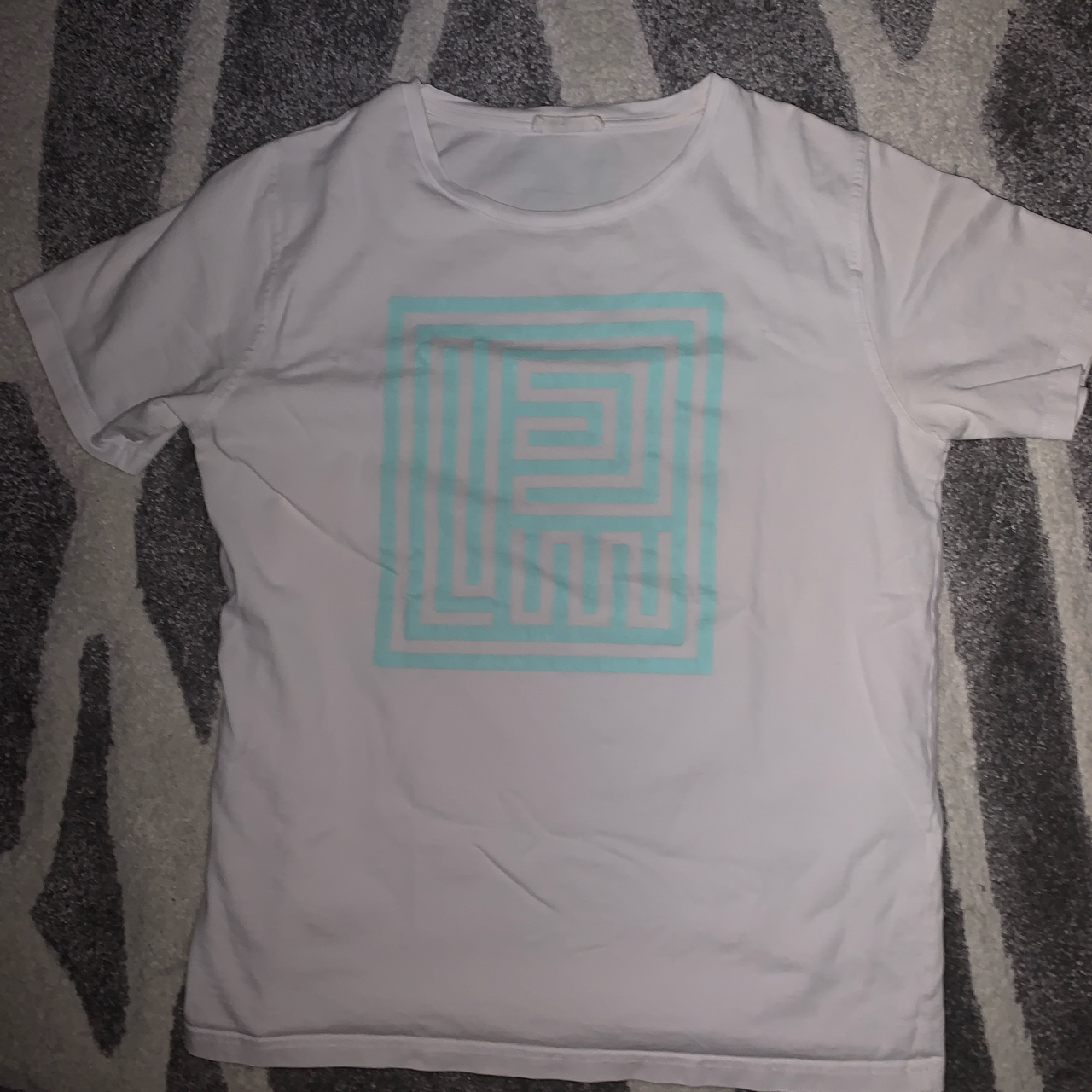 Product Image 1 - PIGALLE MAZE T SHIRT   Size