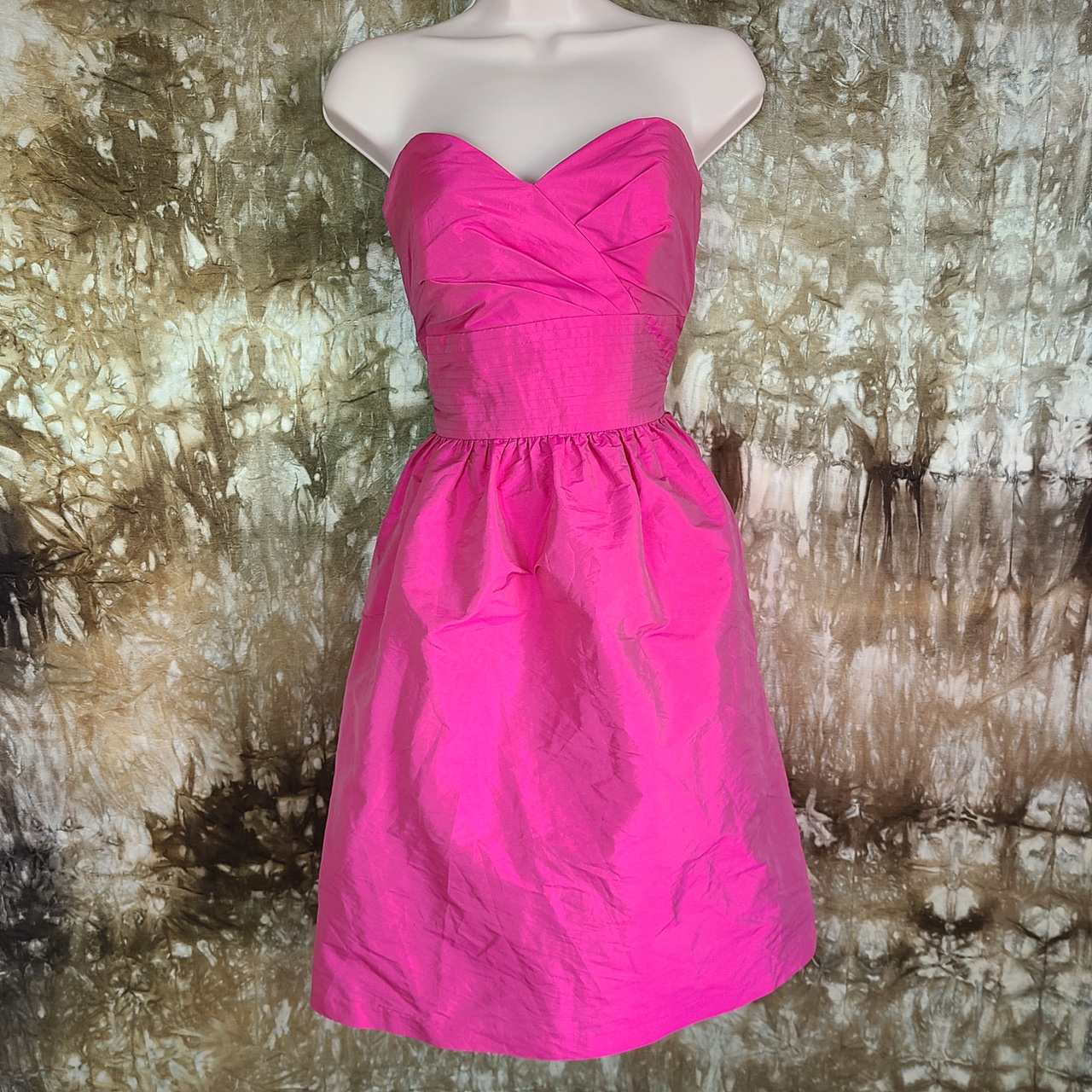 Product Image 1 - Alfred sung strawberry bubblegum Pink