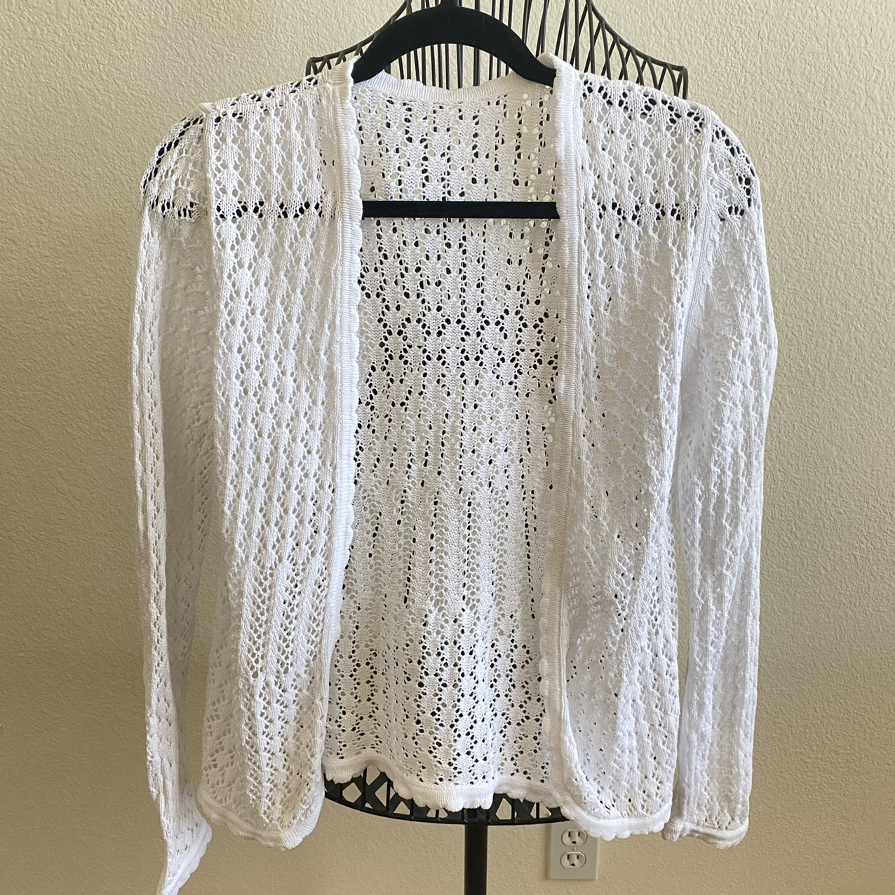 Product Image 1 - White Crotchet Cardigan   It's in