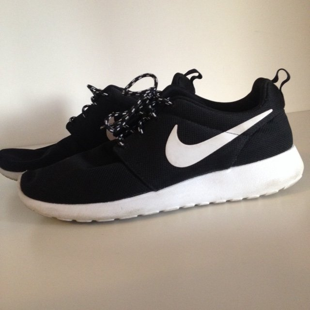 sports shoes d9e1f bf168 scarpe roshe run nike
