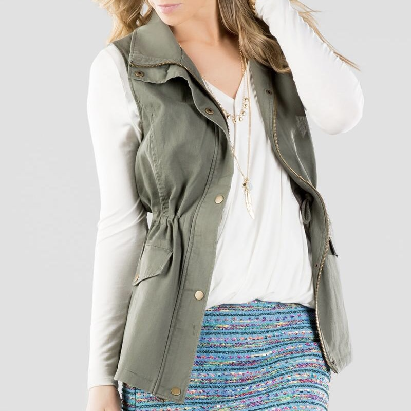 Product Image 1 - Adorable army green vest for