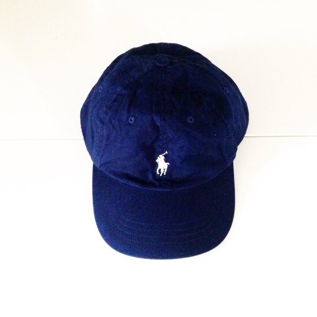 ralph lauren polo cap navy white beige e shop depop. Black Bedroom Furniture Sets. Home Design Ideas