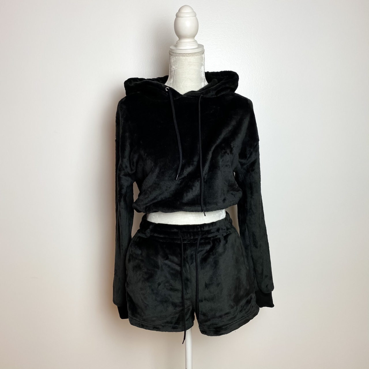Product Image 1 - Stay cozy with this black