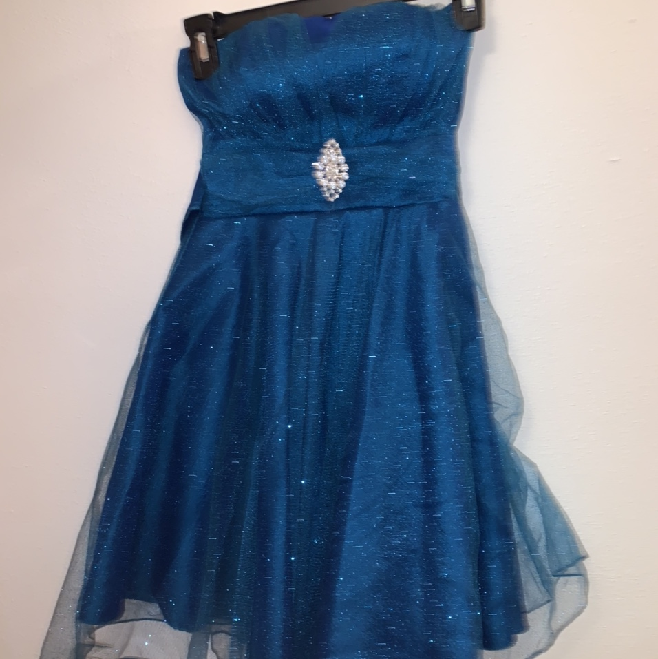 Product Image 1 - 🍄Blue sparkly strapless above-knee homecoming