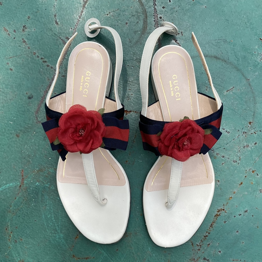 Product Image 1 - gucci sandals with cute flower,