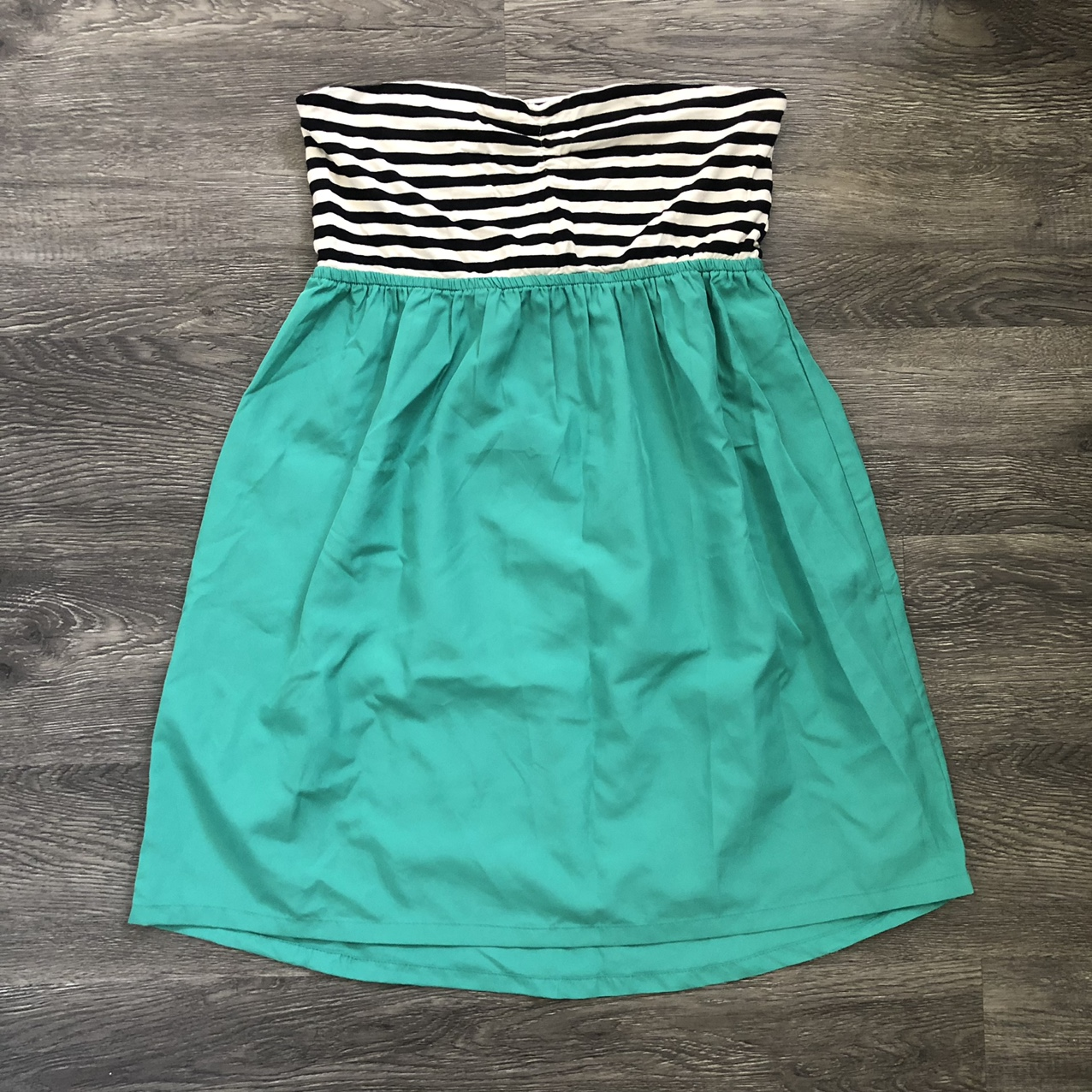 Product Image 1 - Cute strapless dress by Roxy,