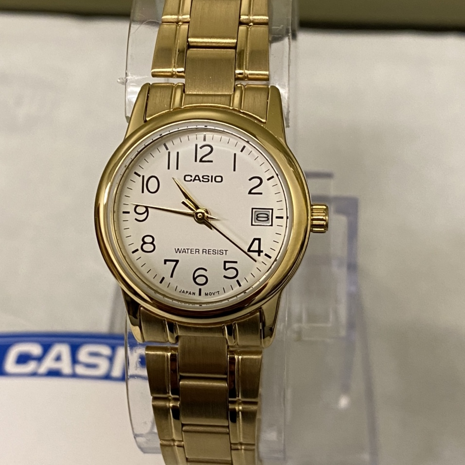 Product Image 1 - Casio GoldTone small watch for