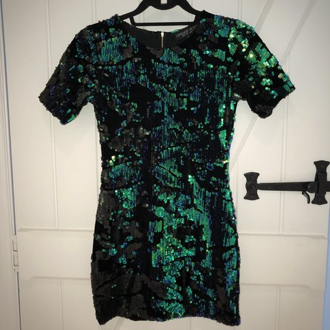 5081f0a0c54c @sophieeleigh. 6 days ago. Warrington, United Kingdom. Topshop petite size 6  green and black sparkly sequin dress with gold zipper, only worn once ...