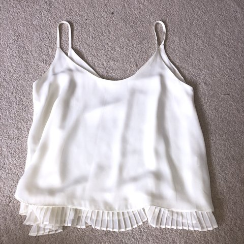 68d5aa5666f @autumnwellsx. 13 days ago. Lutterworth, United Kingdom. River Island White  Frilled Strappy Cami ...