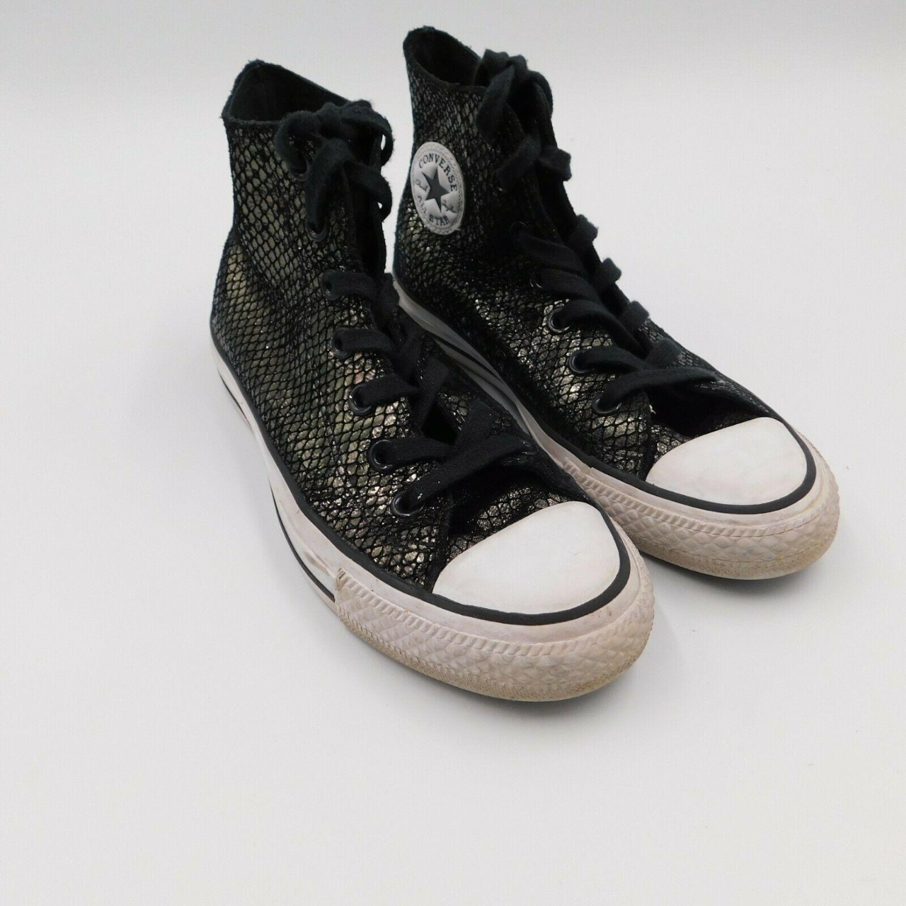 Product Image 1 - Converse Women's High Top Shoes Size 6 Chuck Taylor