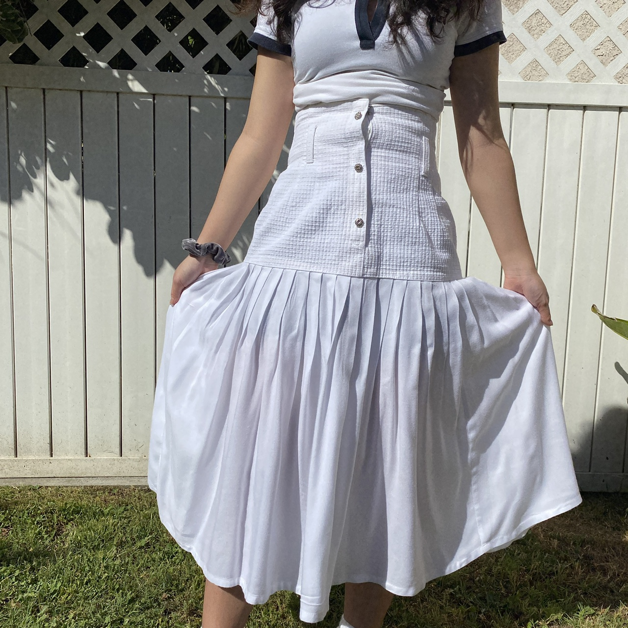 Product Image 1 - High waisted white skirt.
