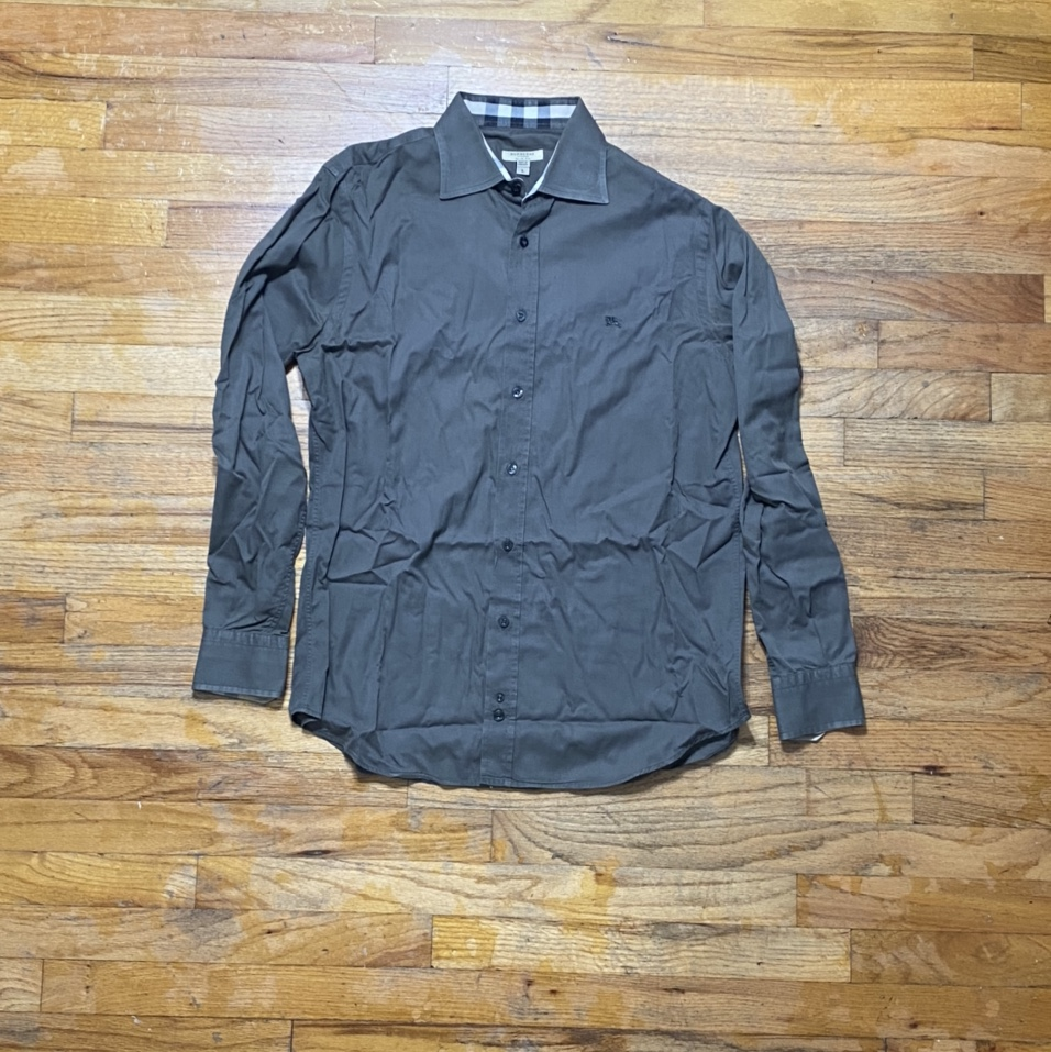 Product Image 1 - Vintage Burberry Dress Shirt  Buying from