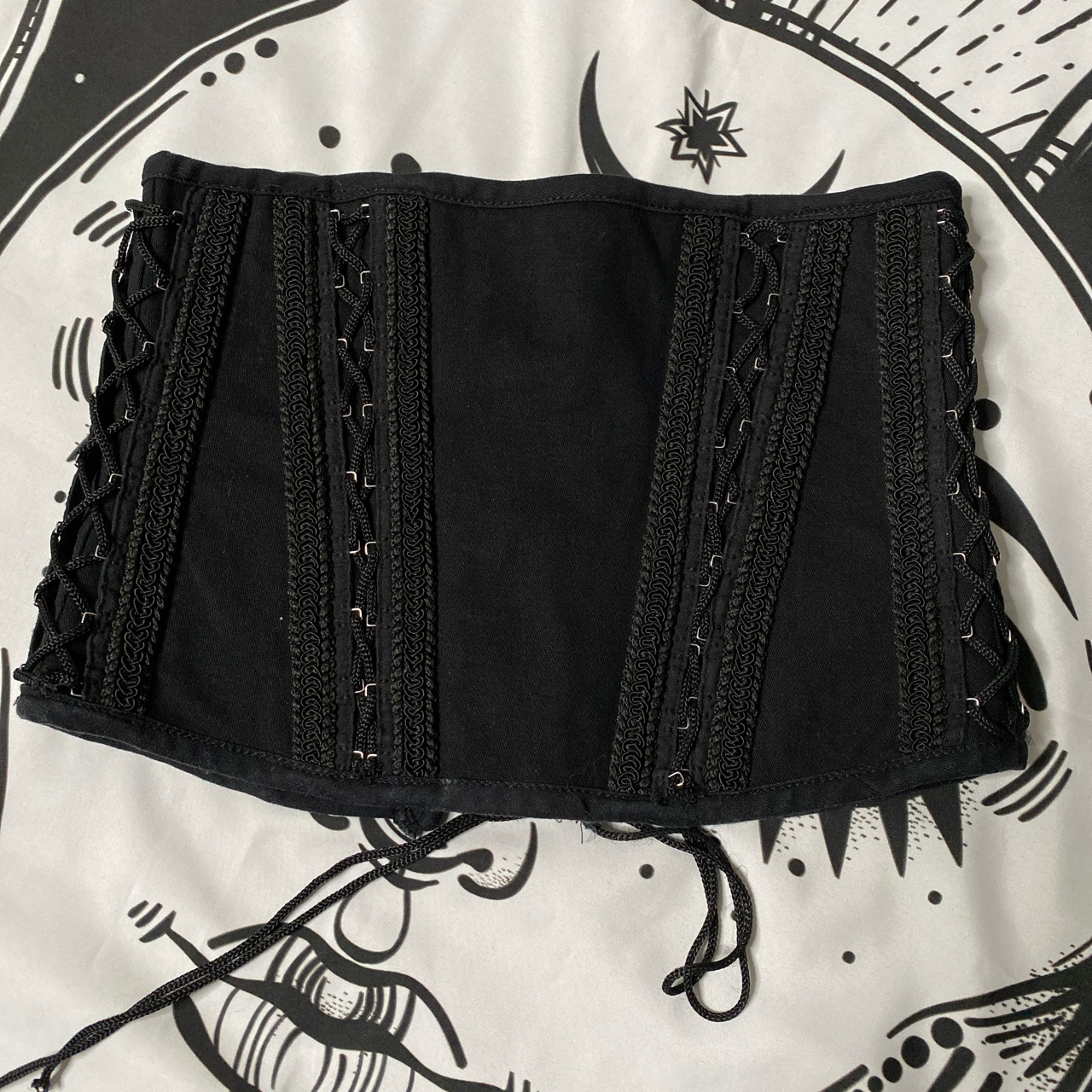 Product Image 1 - This accessory corset belt is