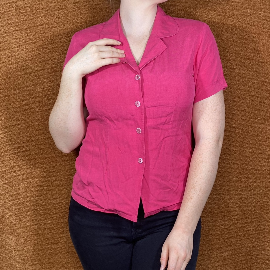 Product Image 1 - Pink silk button-up, size M.