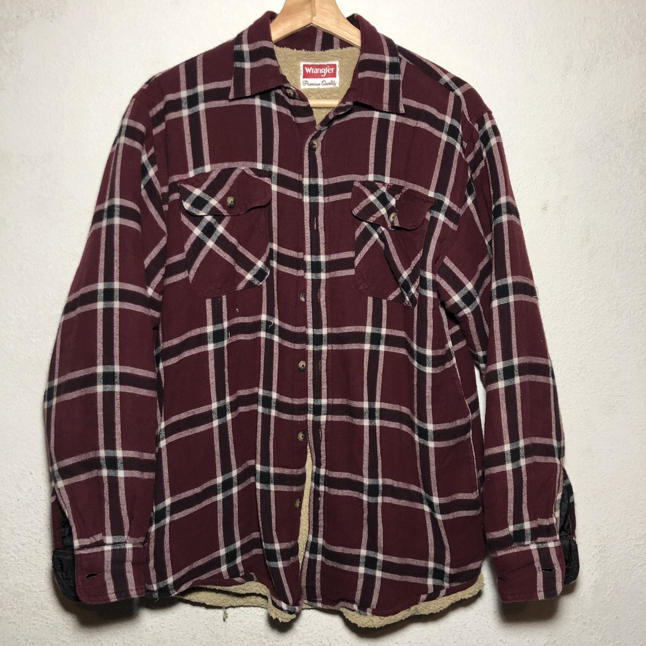 Product Image 1 - Wrangler Flannel  Condition: Preowned Dm for