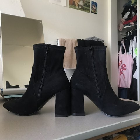 ca4dc590ca5e6b @mayonaide. 3 days ago. Riverside, United States. 🖤 Public Desire RAYA  Pointed Toe Ankle Boots in Black Faux Suede 🖤