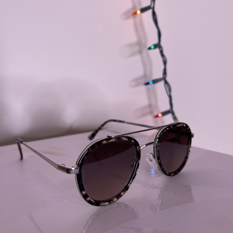 Product Image 1 - Mens sunglasses, very simple and