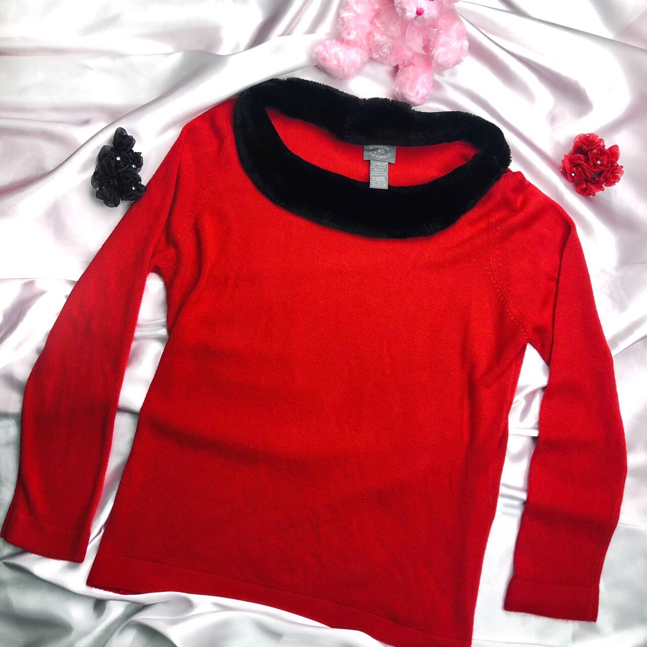 Product Image 1 - FREE SHIPPING  Cozy red sweater with