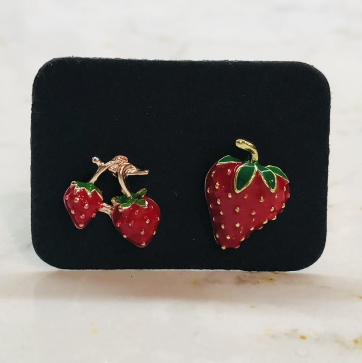 Product Image 1 - Mismatched Earrings  Betsey Johnson vibes at