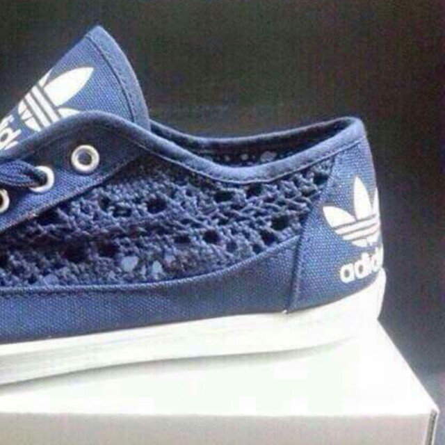284826ca1a5690 women adidas lace shoes