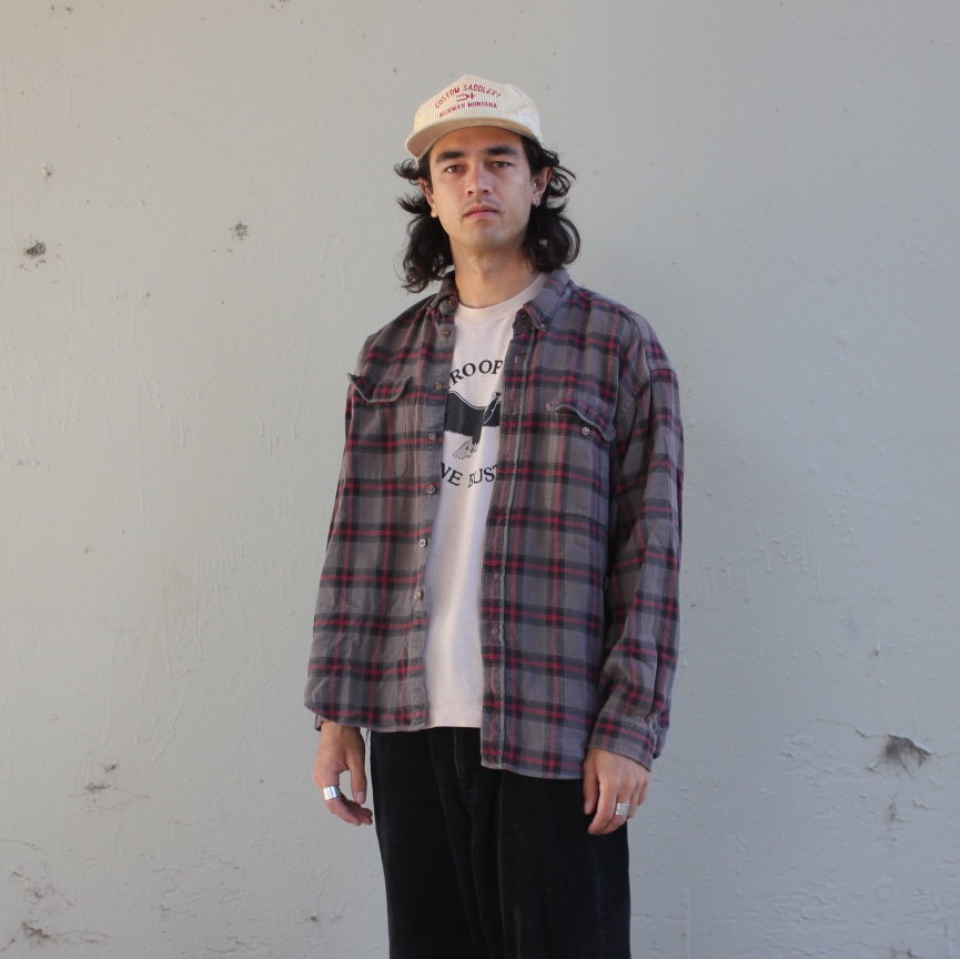 Product Image 1 - GREY BLACK AND RED PLAID