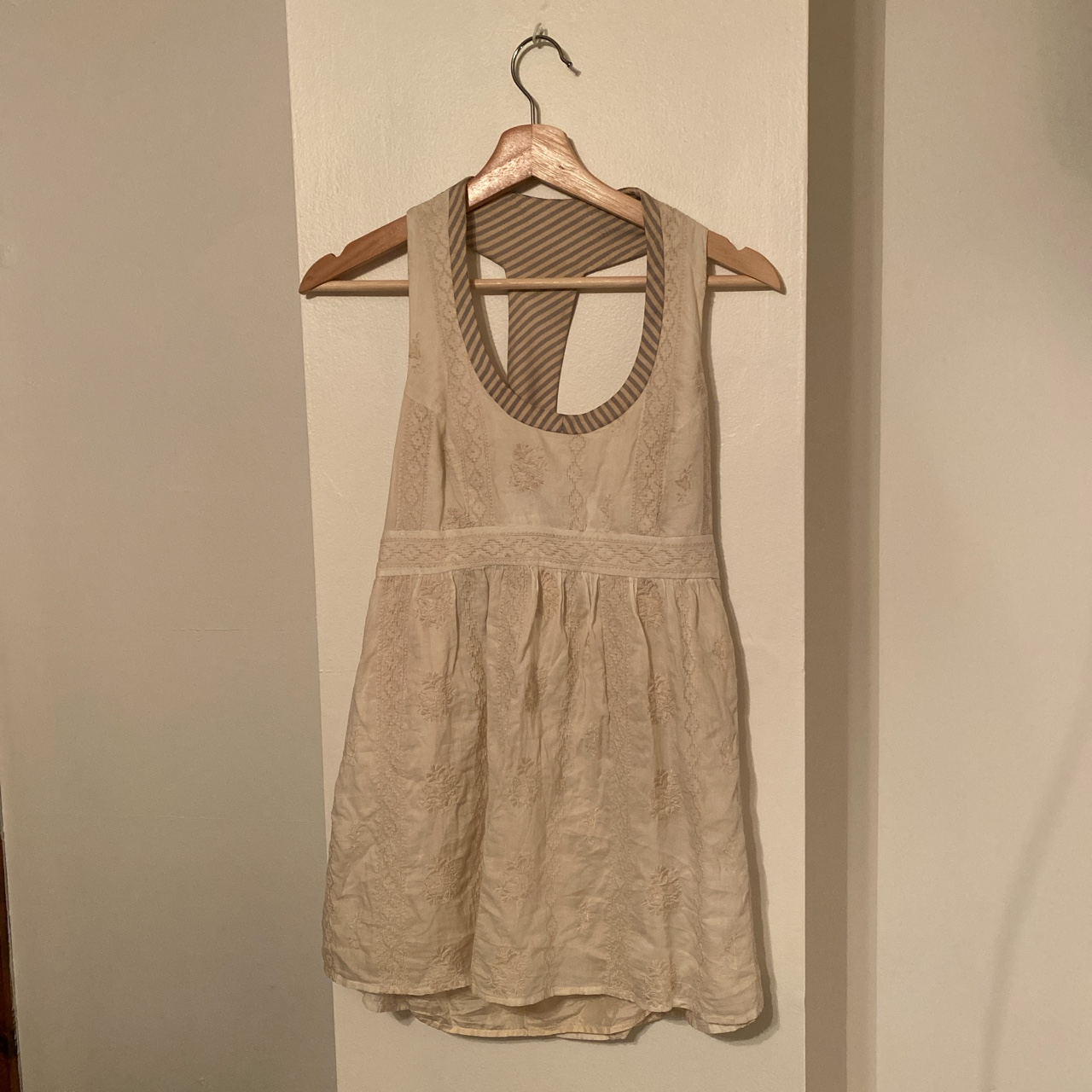Product Image 1 - Vintage embroidered tank