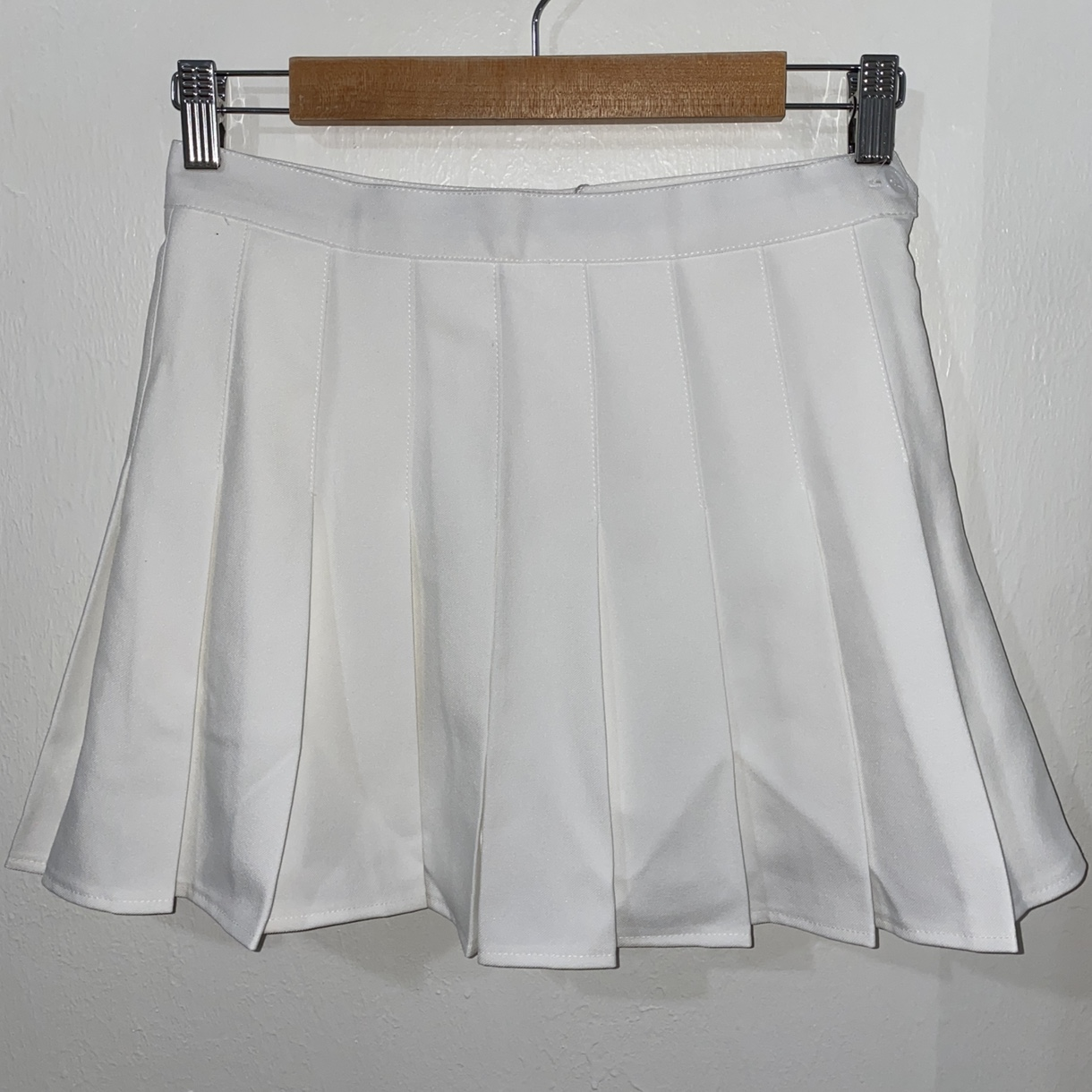 Product Image 1 - White Tennis Skirt With Shorts