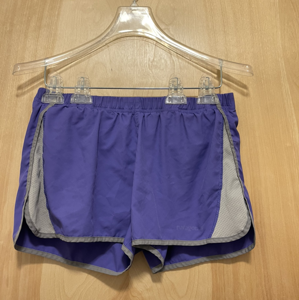Product Image 1 - Women's Patagonia Shorts  -small -used (word