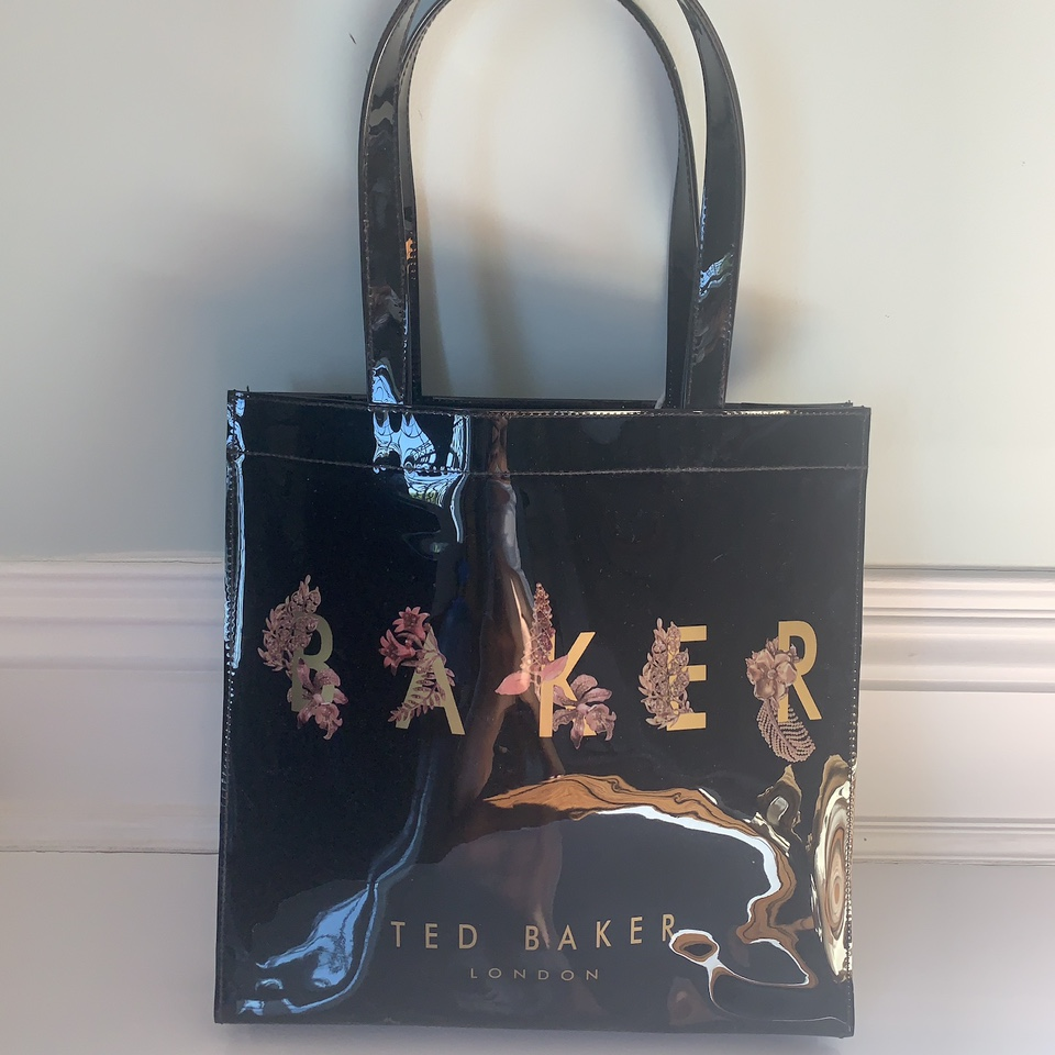 Product Image 1 - Super cute Ted Baker bag.