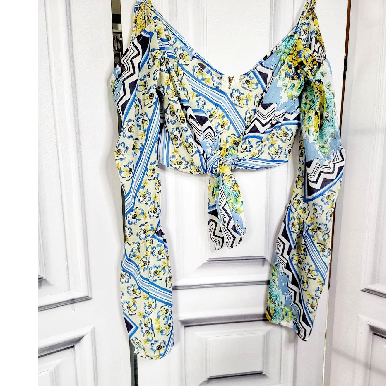 Product Image 1 - Akira Floral Wrap Cropped Front