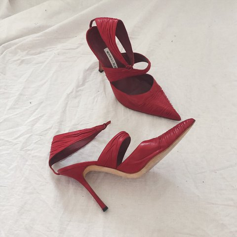 7b11762ebea91 @throwbacksvintage. 22 days ago. Los Angeles, United States. Manolo Blahnik  red leather pointy heels ...