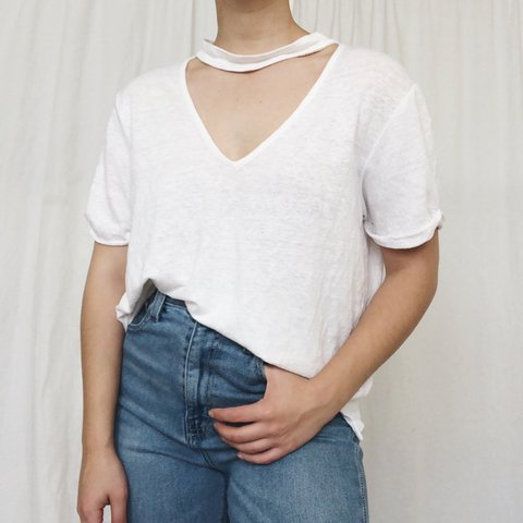 8a3db981 White linen tee with choker style collar. Love this take on - Depop