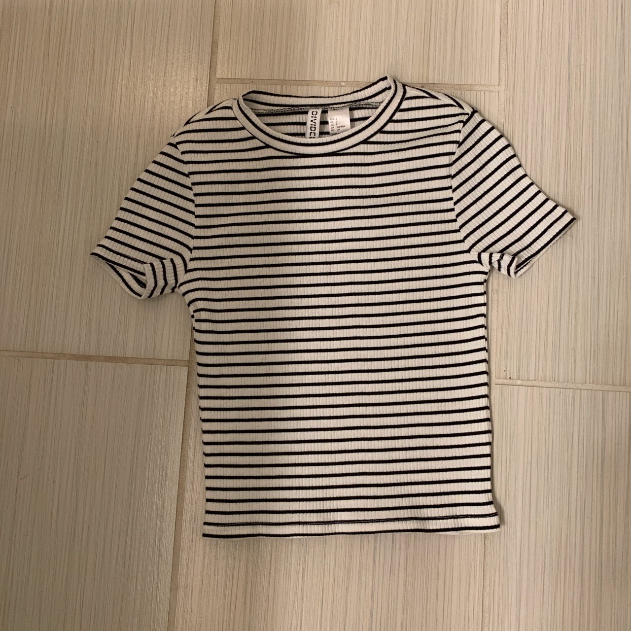Product Image 1 - Cute striped shirt from divided