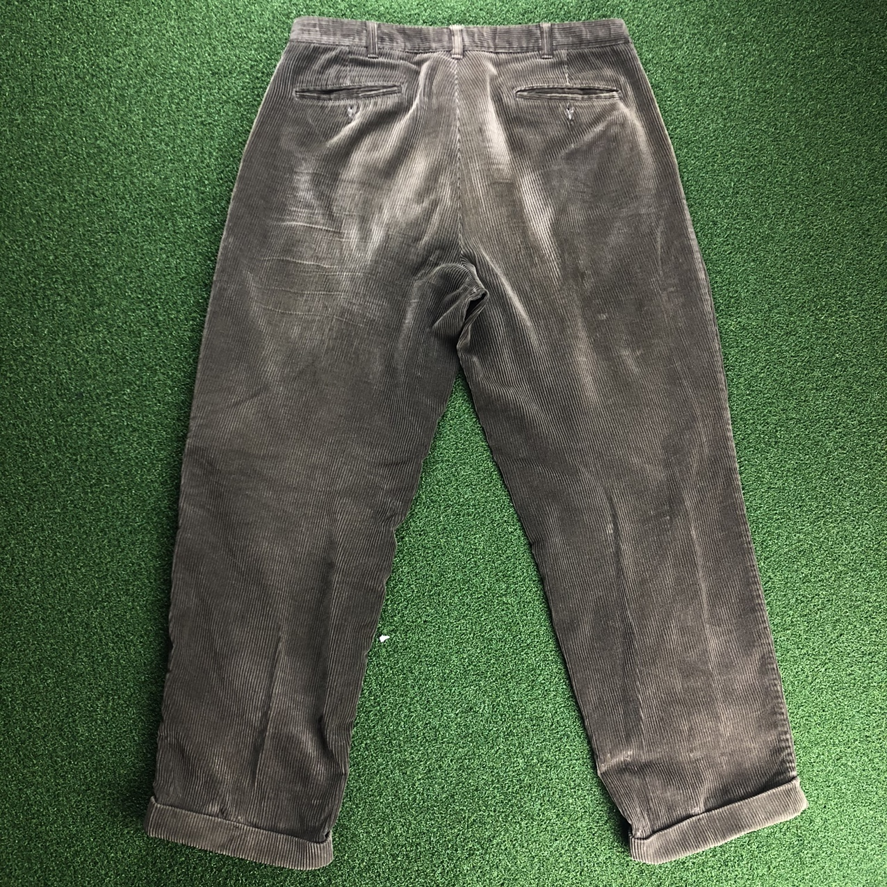 Product Image 1 - Bill Blass Corduroy Pants  Size-36x29 Color-Olive Pre-Loved