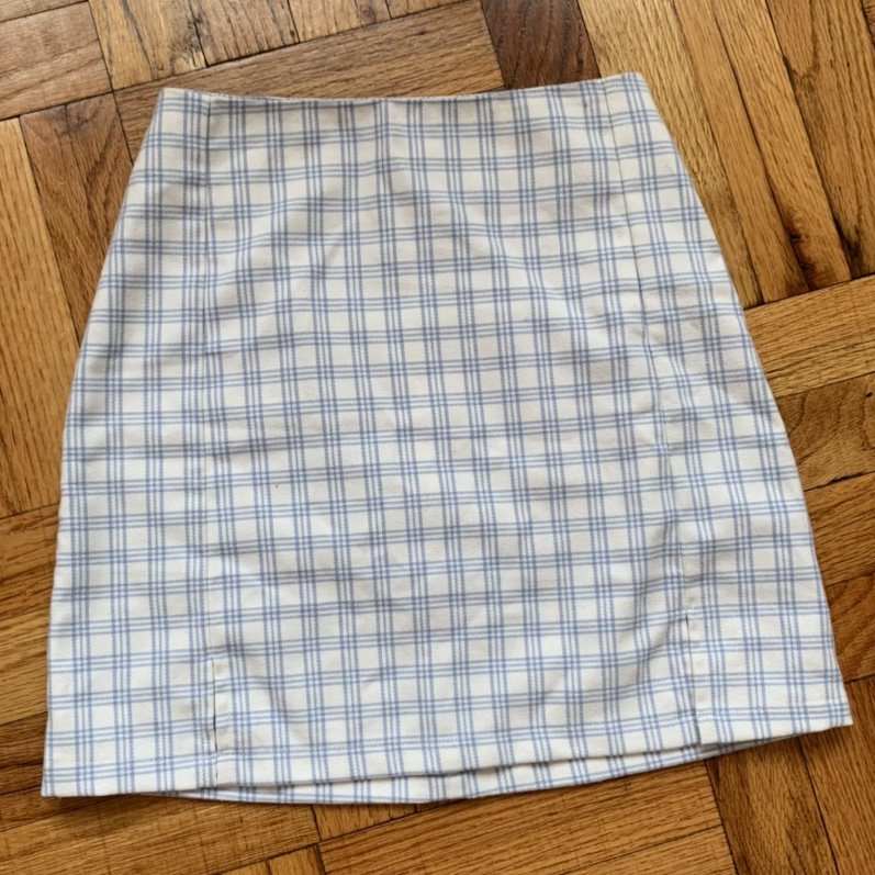 Product Image 1 - light blue and white cara