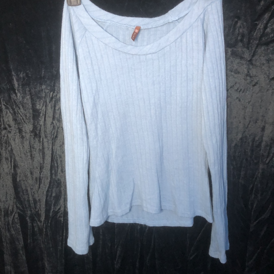 Product Image 1 - Blue Long Sleeve Not that stretchy.